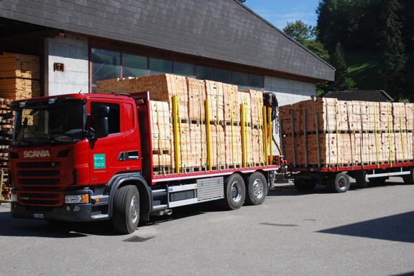 Birrer Holz AG | Transporte | Anhängerzug