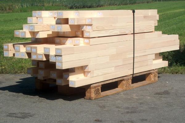 Birrerholz-Holzbearbeitung-Kappen-Zuschnitt